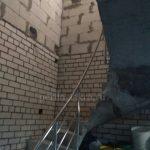 изогнутые поручни для лестницы в дом