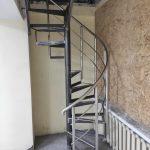 ограждения лестницы в офисе