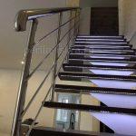 лестницы с нержавеющими перилами